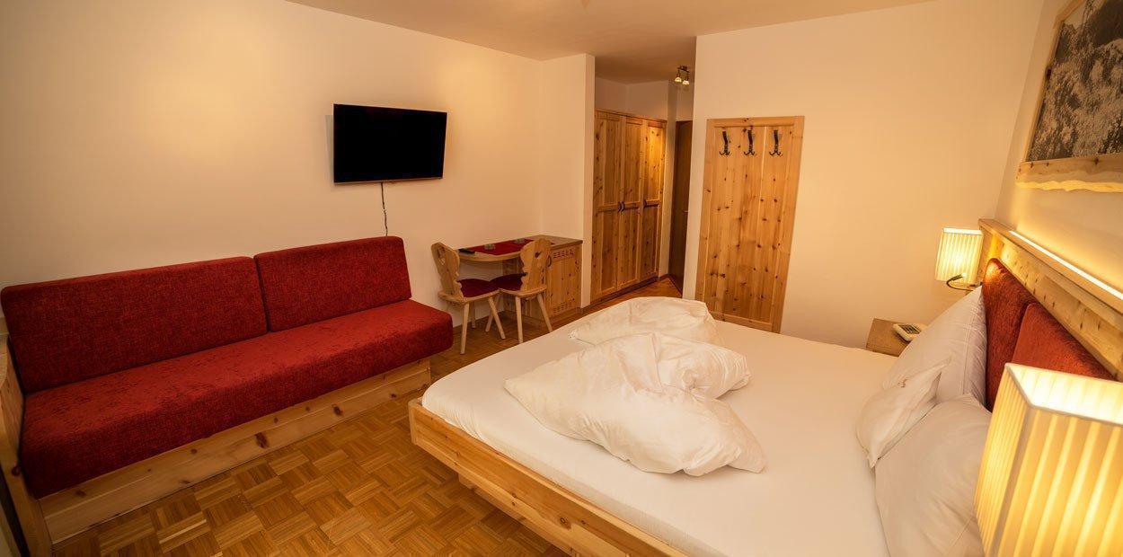hotel-garni-savoy-camera-di-cembro-08