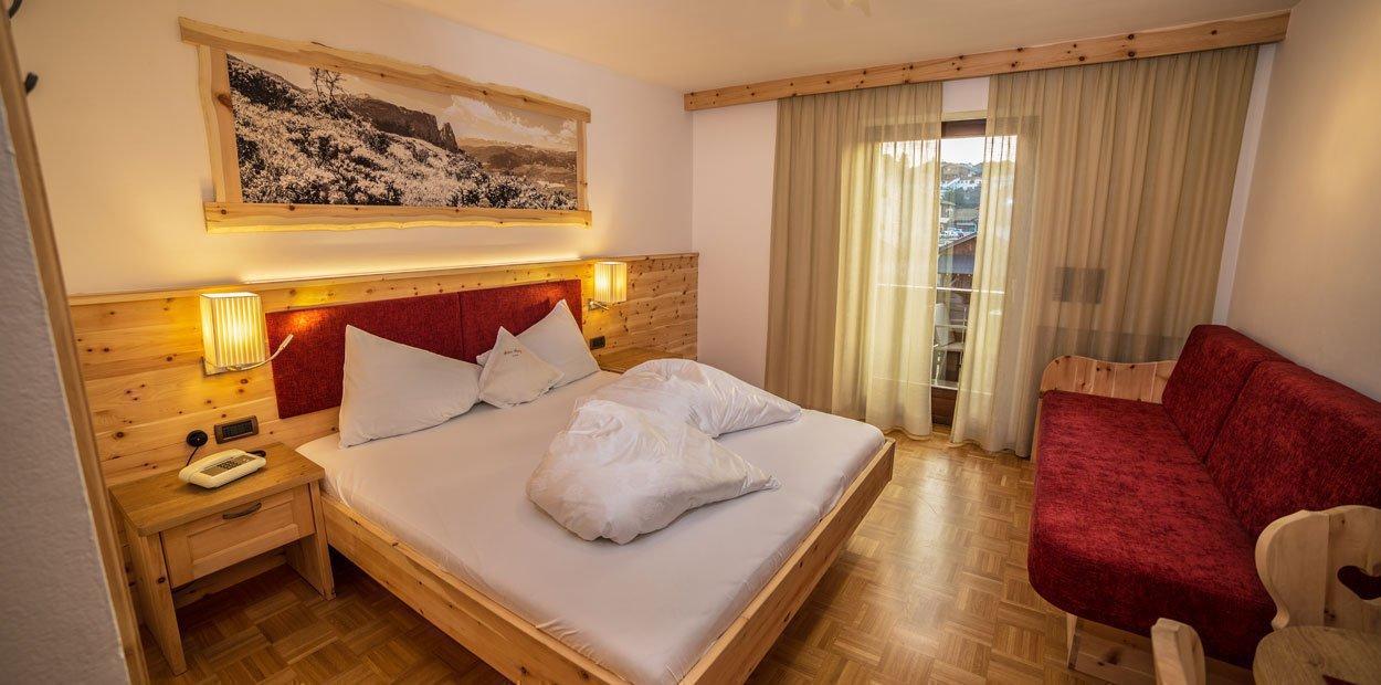hotel-garni-savoy-kastelruth-familienzimmer-(3)