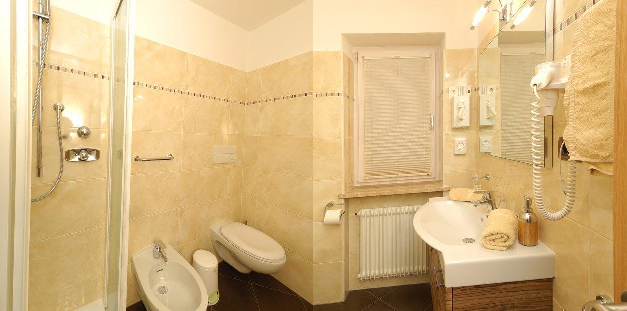 hotel-garni-savoy-camera-di-cembro-10