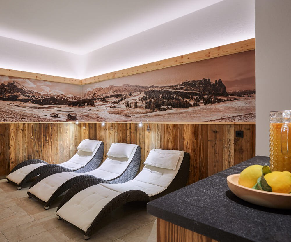 Hotel Garni Savoy in Castelrotto - Holidays in the South Tyrolean Dolomites